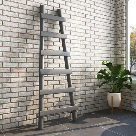 Arezzo Anthracite Leaning Ladder 1600 x 600 Heated Towel Rail