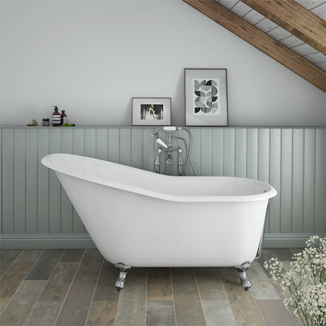 Ashton Cast Iron Bath with Chrome Feet (1530 x 760mm Slipper Roll Top)