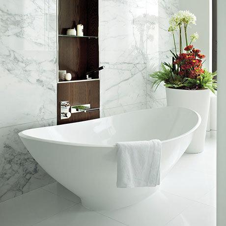 BC Designs Kurv Freestanding Modern Bath 1890 x 900mm