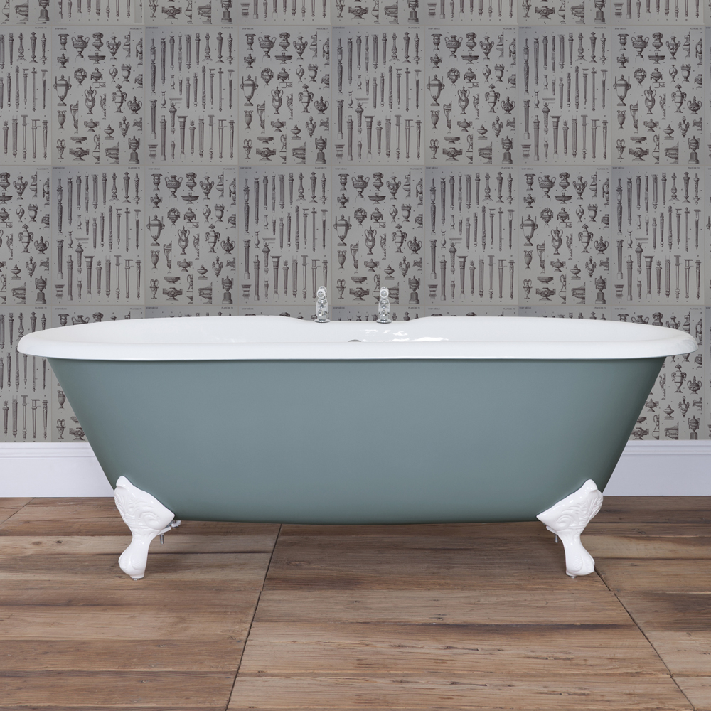 JIG Bisley Cast Iron Roll Top Bath (1690x750mm) with Feet In Bathroom Large Image