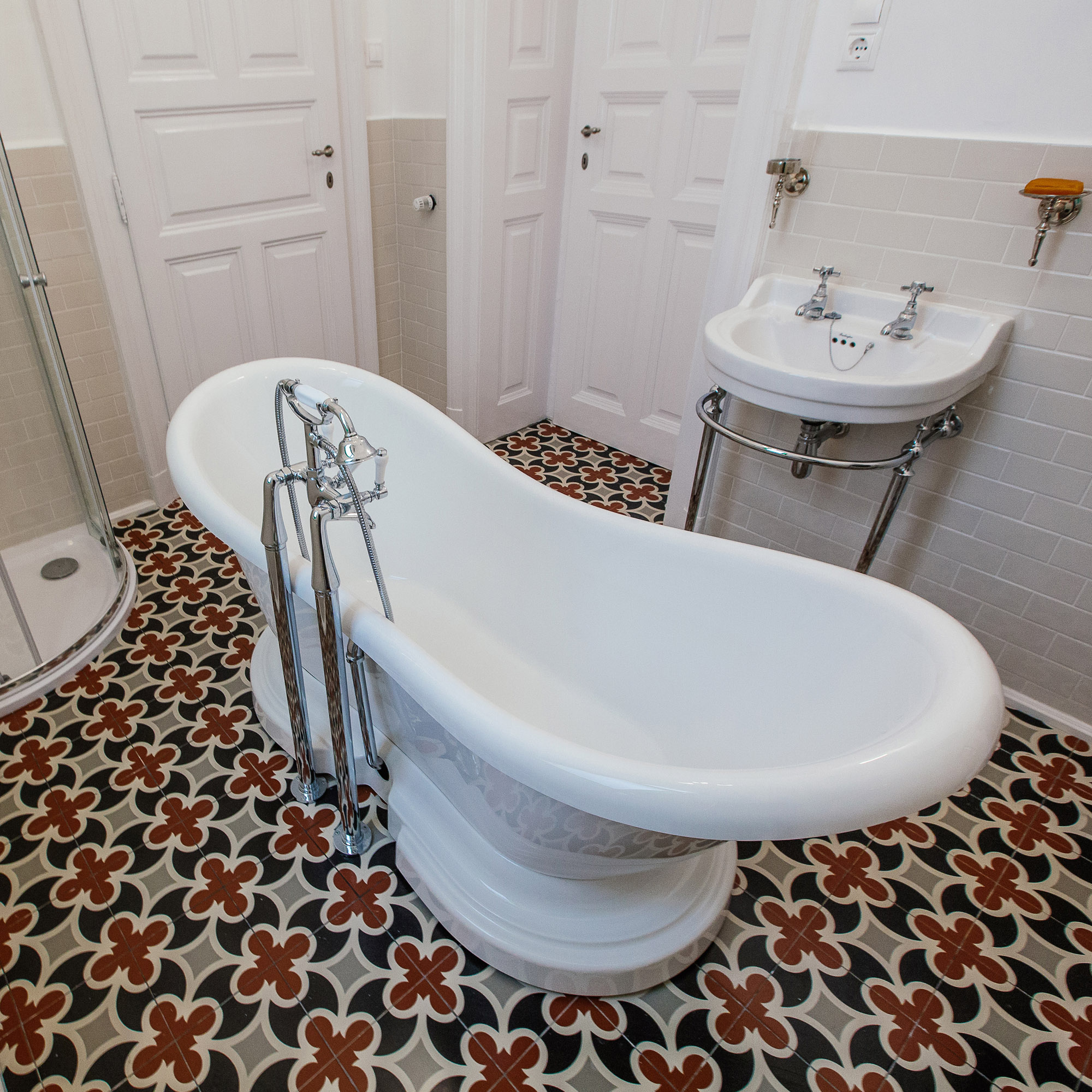 The Completed Traditional Bathroom - Budapest Bathroom Project