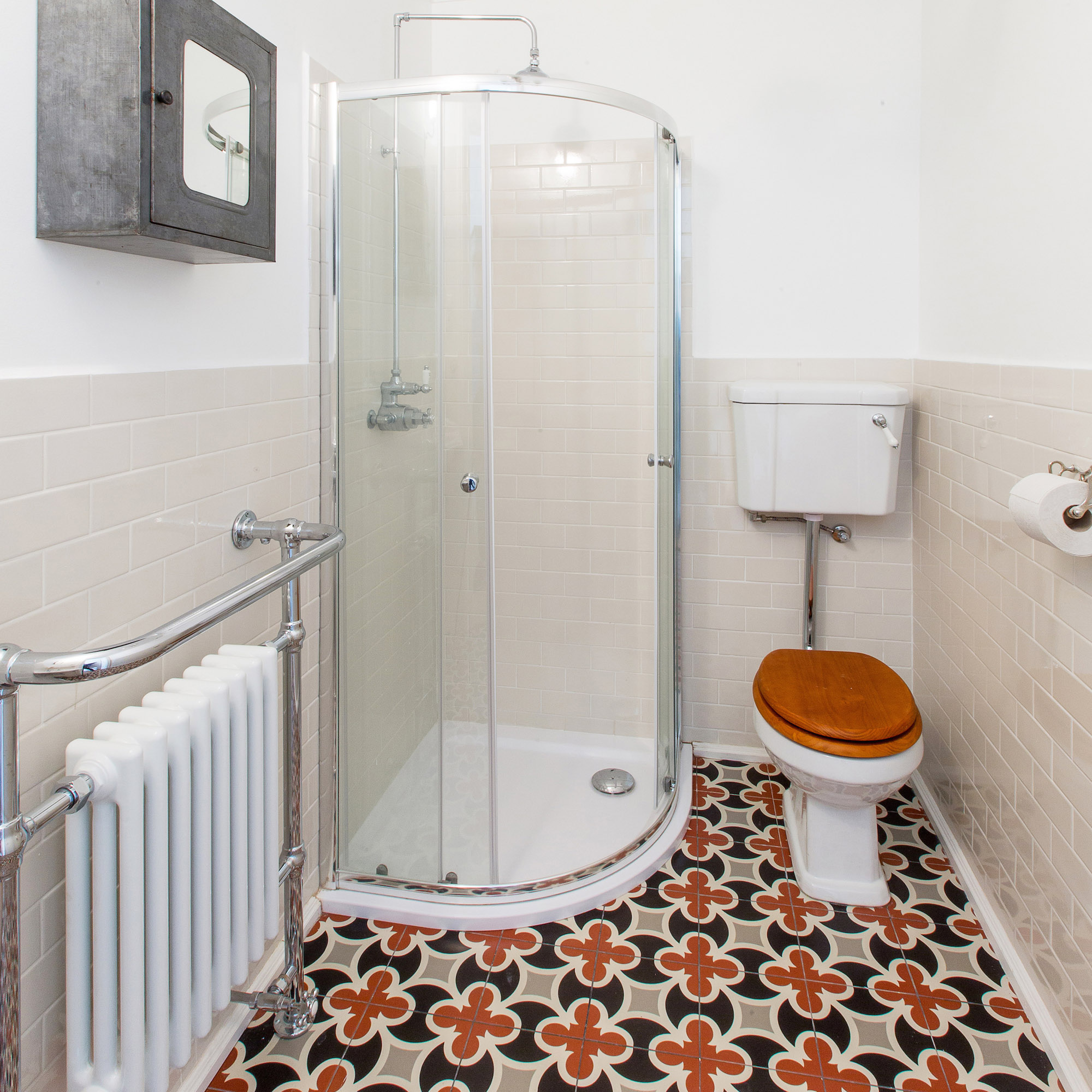 The Smaller Traditional Bathroom - Budapest Bathroom Project