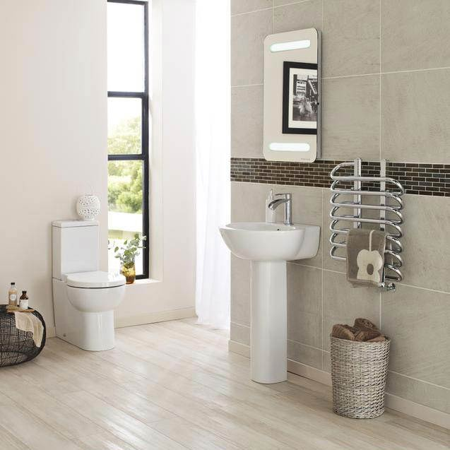 Hudson Reed - Langdon close coupled 'curved profile' BTW pan with cistern & soft close seat profile large image view 3