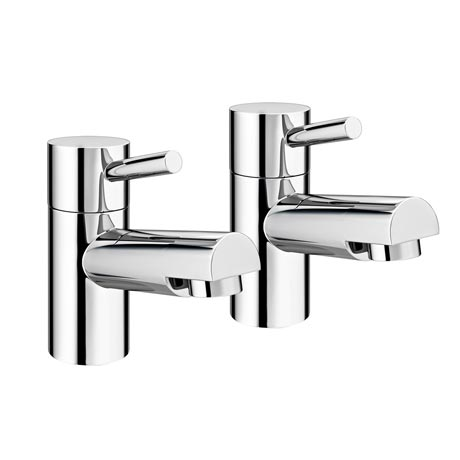 Cruze Contemporary Bath Pillar Taps - Chrome
