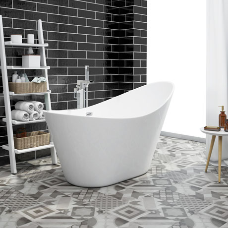 Nova 1570 Modern Small Free Standing Slipper Bath