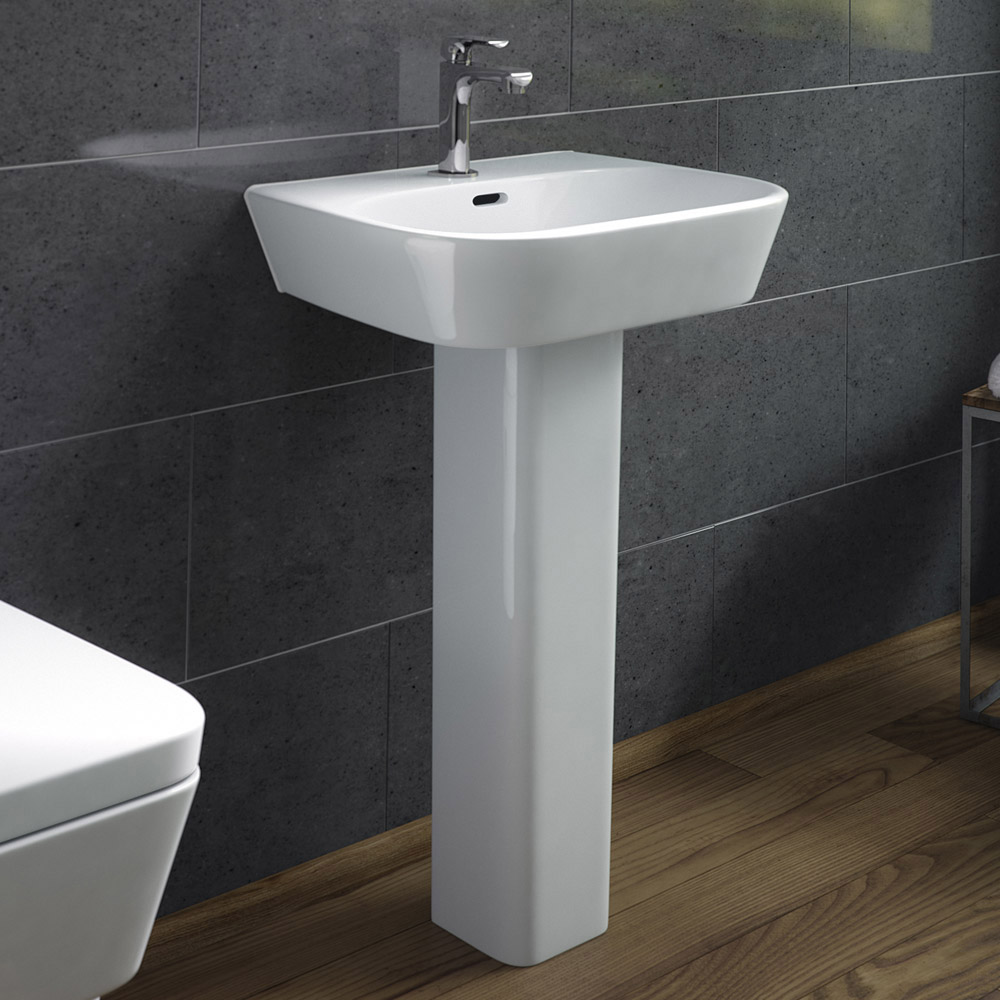 Cambria Double Ended Curved Freestanding Bath Suite Feature Large Image