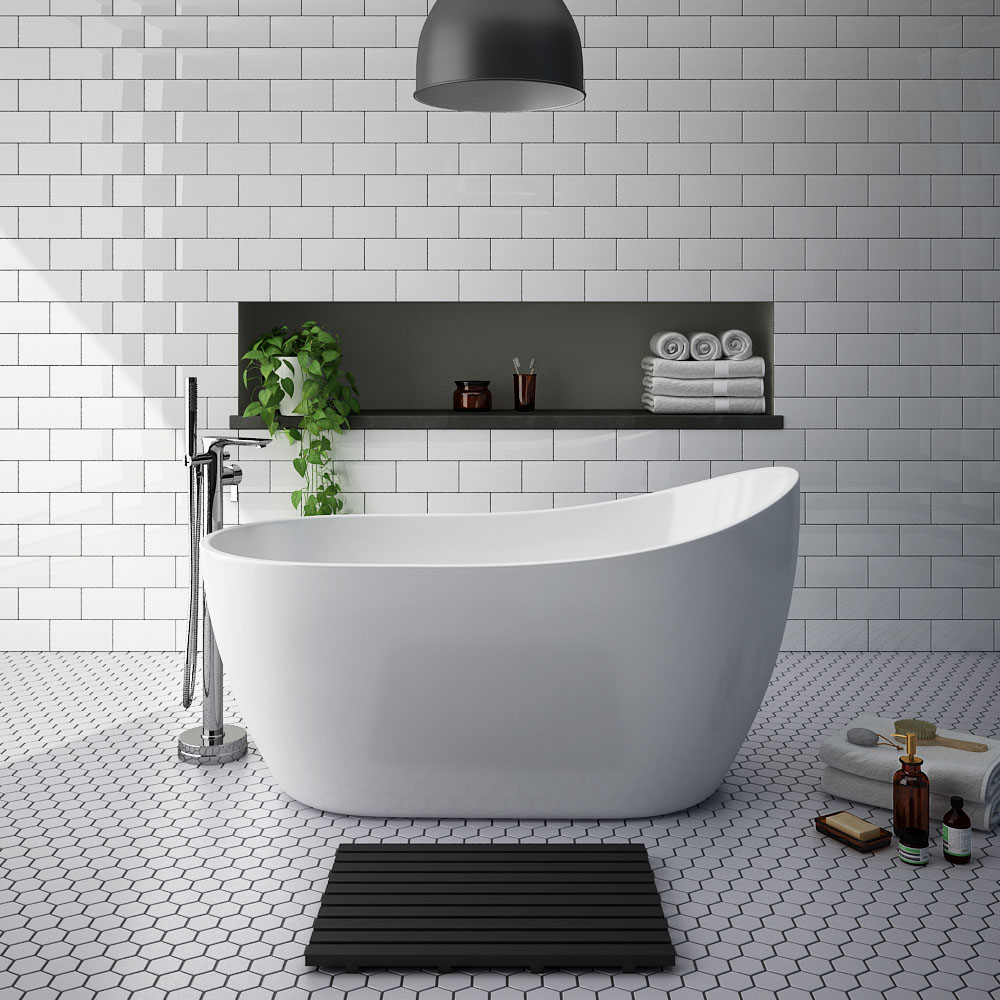 Turin 1370 Small Modern Slipper Free Standing Bath