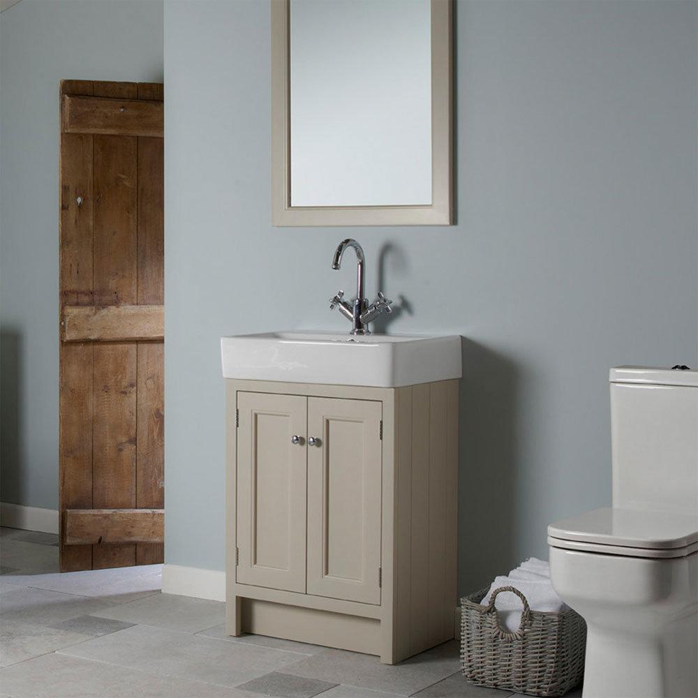 traditional bathroom mirror basin - photo #37