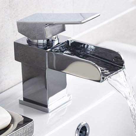 Lago Waterfall Basin Tap inc Waste