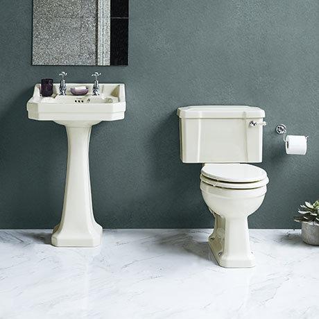 Burlington Medici 4-Piece Traditional Bathroom Suite
