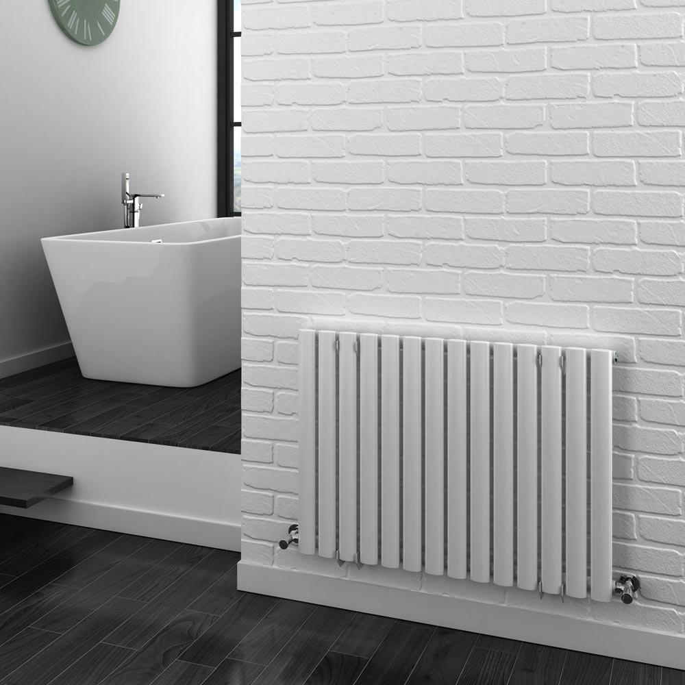 Metro Horizontal Radiator - White - Single Panel (600mm High) Feature Large Image