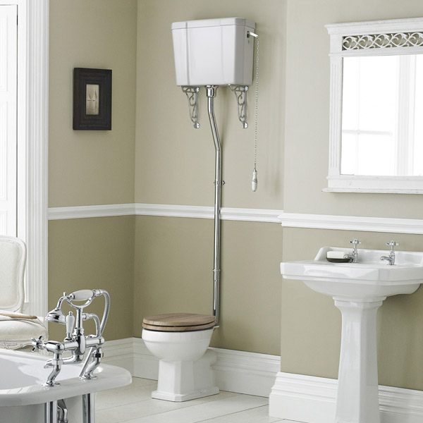 Old London Richmond High Level Traditional Toilet - situated in a stunning traditional bathroom accompanied by a gorgeous freestanding bath and traditional full pedestal basin