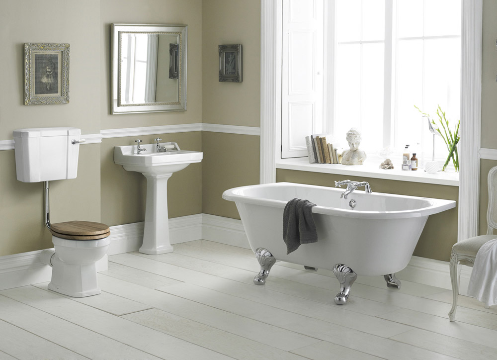 Legend Traditional Bathroom Suite At Victorian Plumbing Uk: Richmond Low Level Bathroom Suite With Back