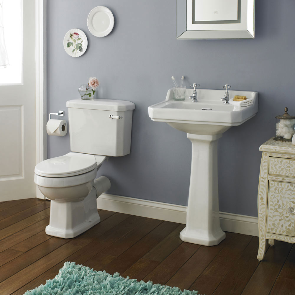 Premier Carlton 4 Piece Traditional 2th Bathroom Suite 500mm Basin At Victorian Plumbing Uk