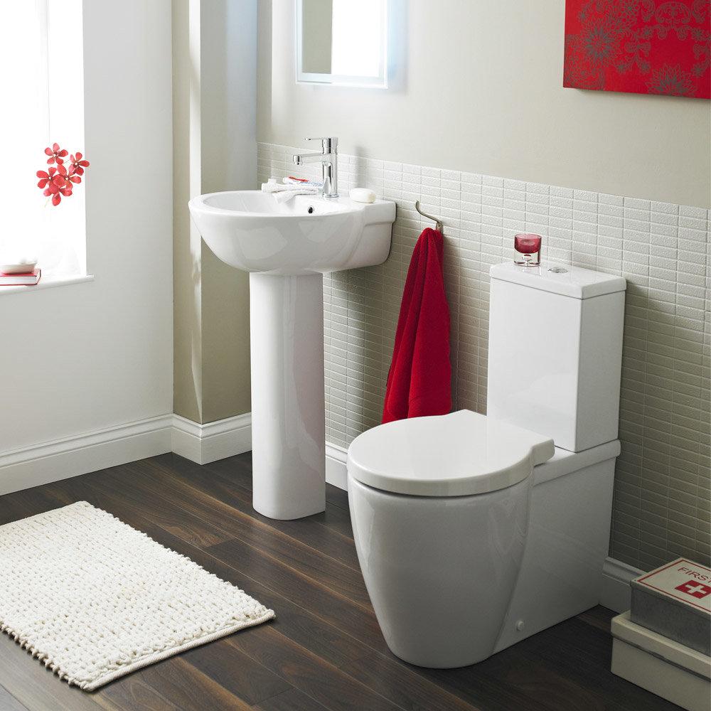 Premier darwin 4 piece bathroom suite at victorian plumbing uk for 4 piece bathroom ideas