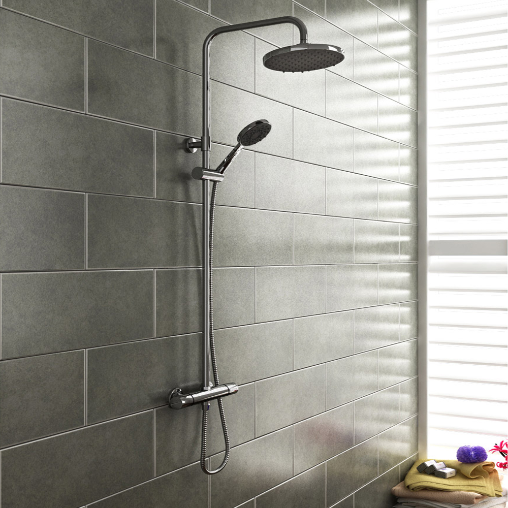 Pro 600 B-Shaped 1700 Complete Bathroom Package Feature Large Image