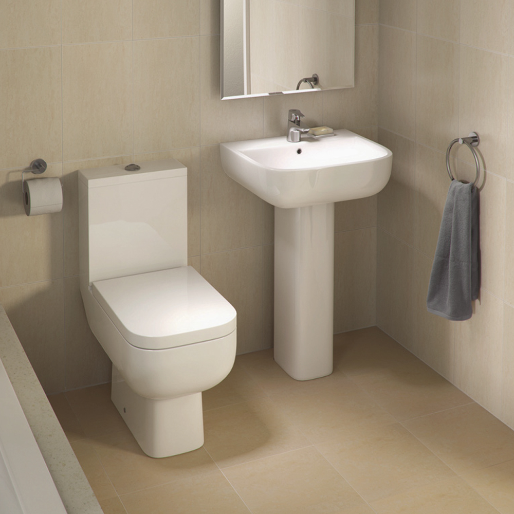 Rak series 600 close coupled modern toilet with soft close for Photo toilette moderne