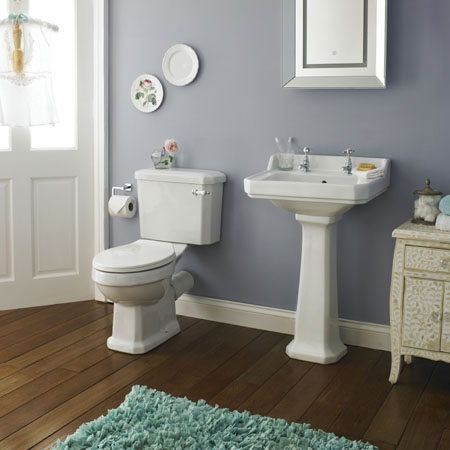 A Complete Guide To Traditional Bathroom Suites