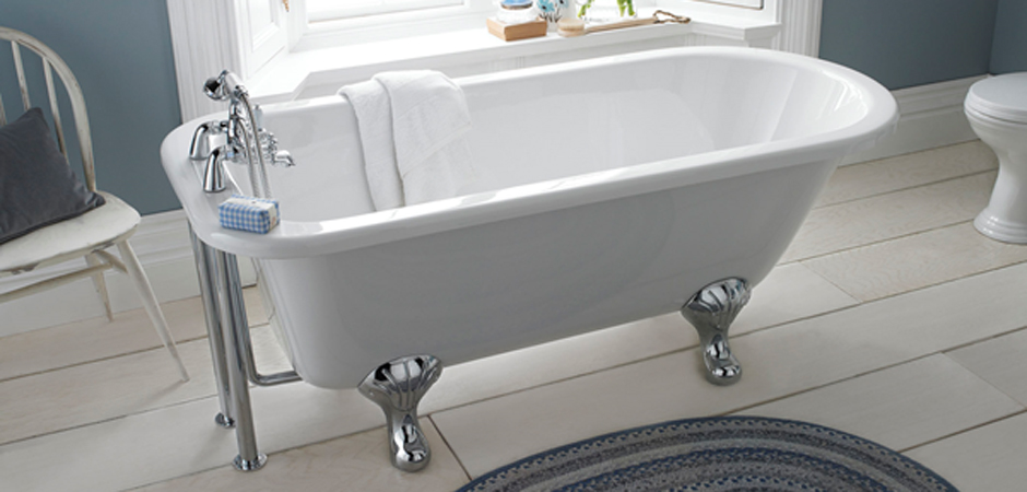 Traditional freestanding bath with chrome lion's claw feet