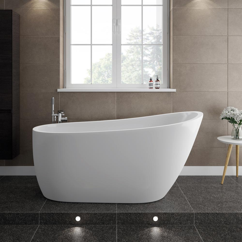 Turin 1520 modern slipper free standing bath at for Modern bathroom with tub