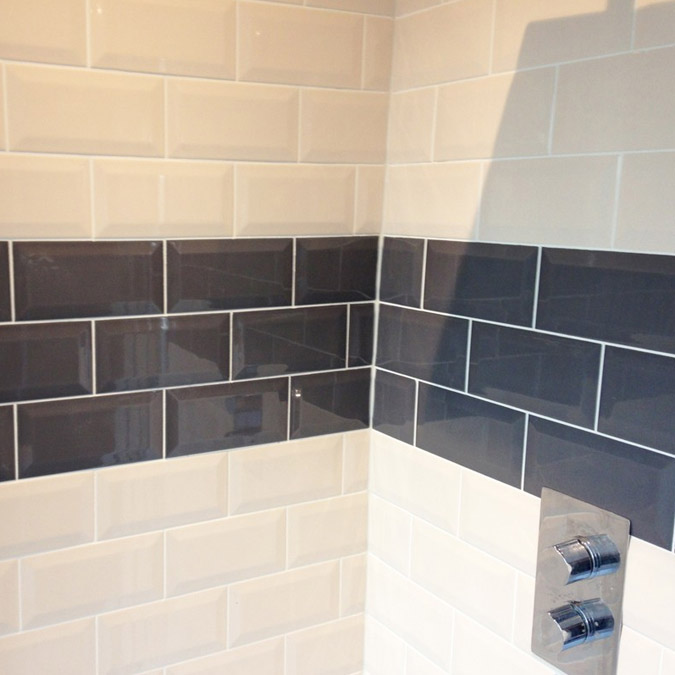 Victoria Metro Wall Tiles - Gloss Grey - 20 x 10cm In Bathroom Large Image