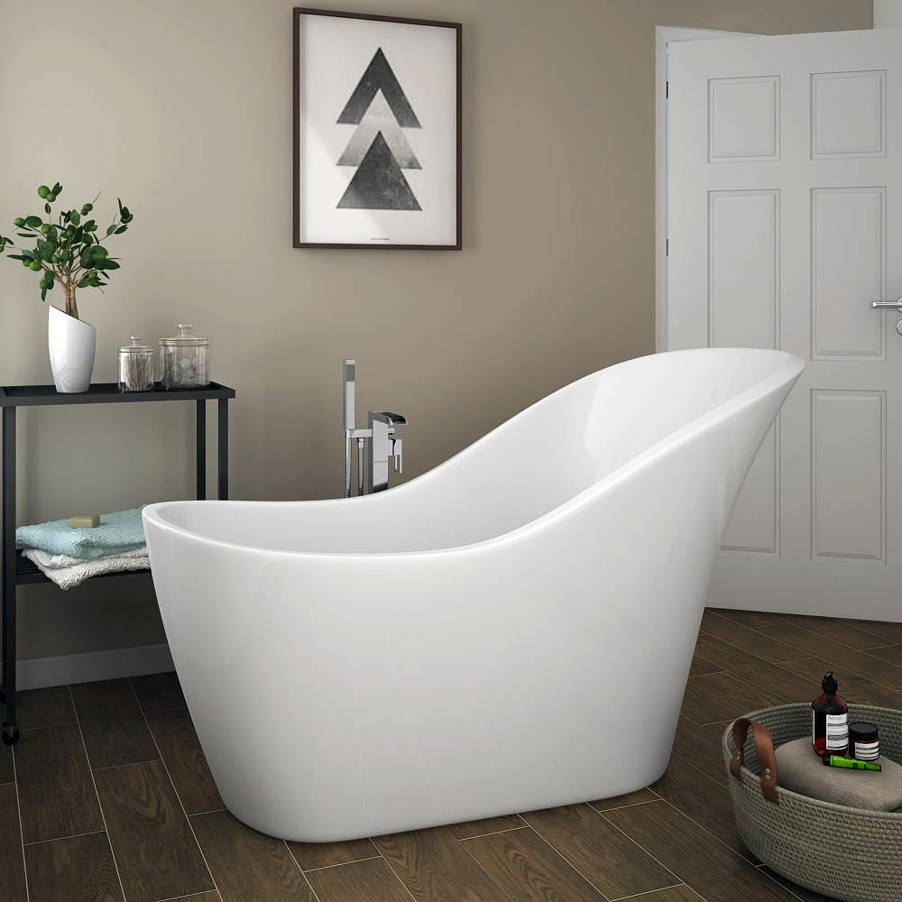 Fantastic small slipper bath gallery bathtub for for Small bathroom uk