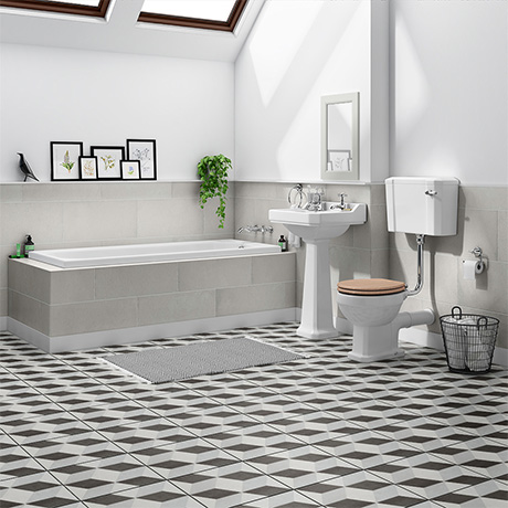 Winchester Traditional Bathroom Suite