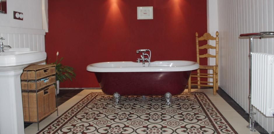 Popular Burgundy And Gray Bathroom #XY99