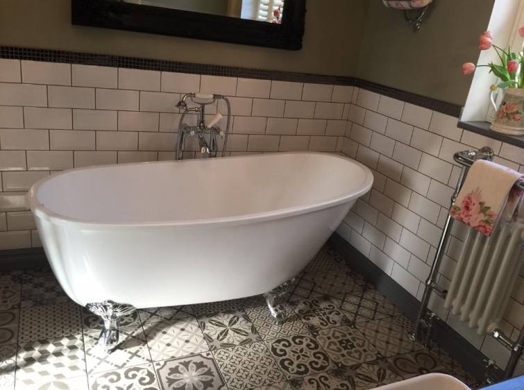 Ball-Footed Freestanding Slipper Bath | Emma's Eclectic Bathroom - Lancashire