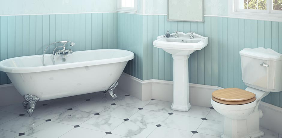 Traditional bathroom suite and freestanding bath